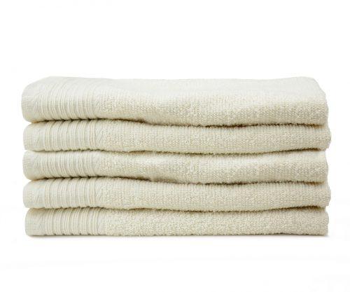 Aanbieding handdoeken ivoor zware kwaliteit stapel